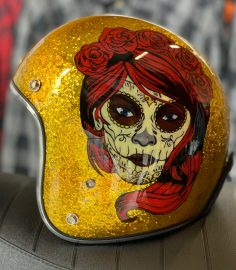 North Virus Superflake gold red woman